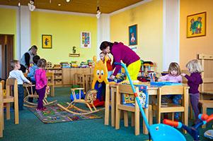 Trat ndose de voces de ni os de un jard n de infantes no se justifica la reparaci n por ruidos for Juegos para nios jardin de infantes