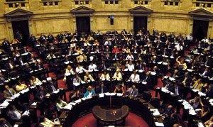 Télam, Buenos Aires 15/12/05 La Cámara de Diputados votó en general afirmativamente el presupuesto 2006. Foto: Daniel Darrás/Télam /cf
