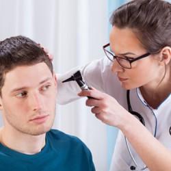 consulta-de-otorrinolaringologia